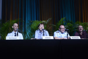 2016AMOS_Panel